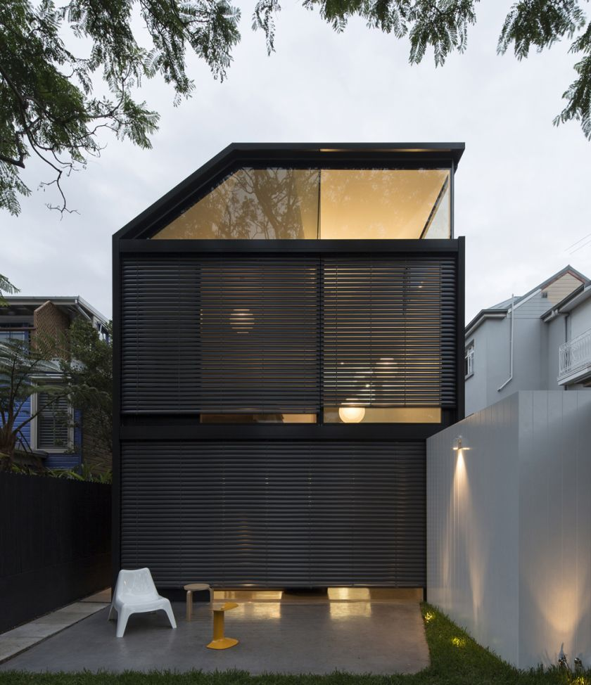 Cosgriff House adjustable louvres opening & closing sequence
